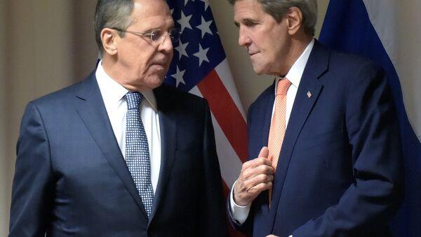 Sekretarz stanu USA John Kerry i szef MSZ Rosji Siergiej Ławrow - Sputnik Polska