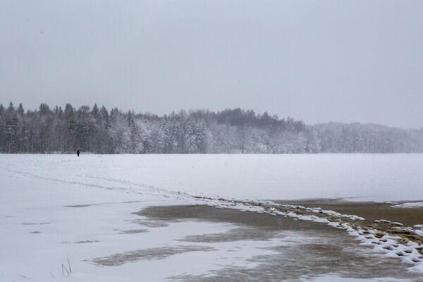 Jezioro w rejonie priażinskim Republiki Karelii - Sputnik Polska