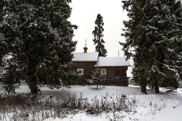 Kaplica Smoleńskiej Ikony Matki Bożej we wsi Kinierma rejonu priażinskiego Republiki Karelii - Sputnik Polska
