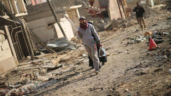 Zburzone domy w Mosulu - Sputnik Polska