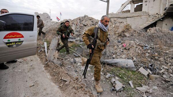 Żołnierze syryjskich wojsk rządowych w Aleppo - Sputnik Polska