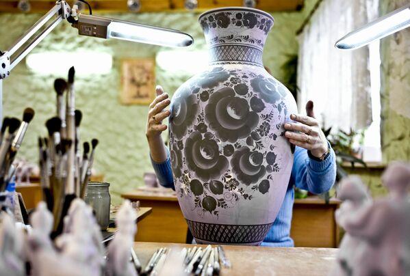 Gżel jest prarodzicem większości produkcji ceremiacznych w Rosji. Właśnie stąd czerpała swoje zasoby Carska Fabryka Ceramiczna i Fabryki Kuzniecowa, znane na całym świecie. - Sputnik Polska