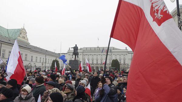 Protest przed Pałacem Prezydenckim w Warszawie - Sputnik Polska
