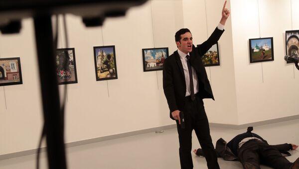 Napastnik, który zaatakował ambasadora Rosji w Turcji Andrieja Karłowa, Ankara - Sputnik Polska