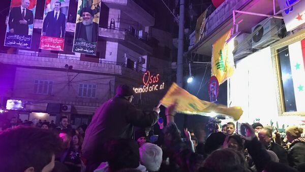 Syryjczycy świętują wyzwolenie Aleppo - Sputnik Polska
