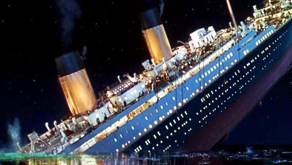 Sinking Titanic - Sputnik Polska