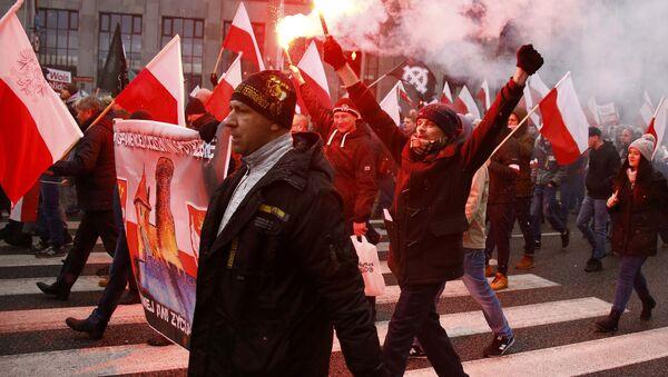 Demonstracja w Warszawie 11 listopada 2016 roku - Sputnik Polska