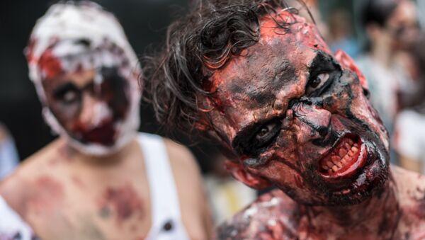 Uczestnik Zombie Walk w Rio de Janeiro, Brazylia - Sputnik Polska