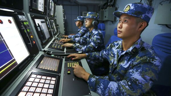 Wojskowi chińskiej marynarki wojennej na pokładzie niszczyciela rakietowego Hefei - Sputnik Polska