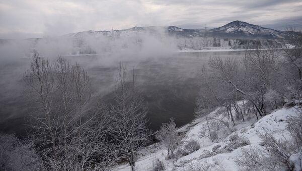 Rzeka Jenisej, miasto Sajanogorsk w Chakasji - Sputnik Polska