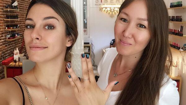 Blanca Suárez i Sofía Hasanova w salonie kosmetycznym Siberia, Madryt - Sputnik Polska