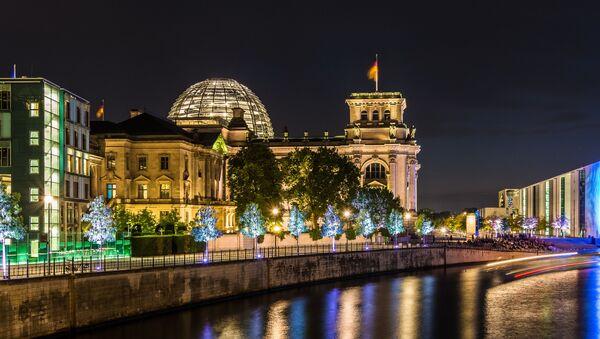 Widok na Reichstag w Berlinie - Sputnik Polska