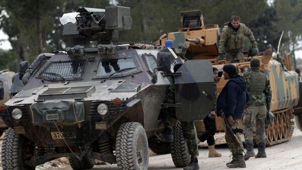Tureccy wojskowi i żołnierzy Wolnej Armii Syrii na przedmieściach Al-Bab - Sputnik Polska
