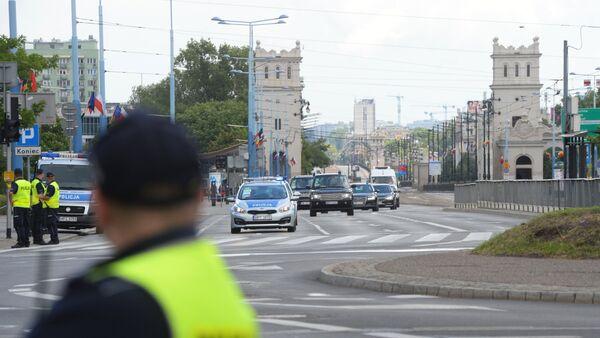 Policja na ulicach Warszawy przed akcją protestacyjną przeciwko szczytowi NATO - Sputnik Polska