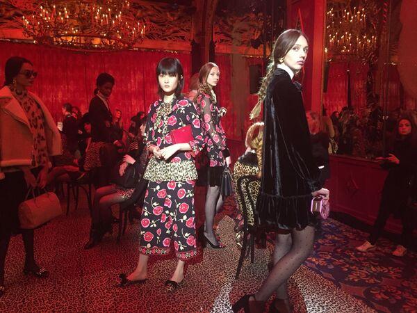 Pokaz kolekcji  Kate Spade podczas Tygodnia Mody w Nowym Jorku - Sputnik Polska