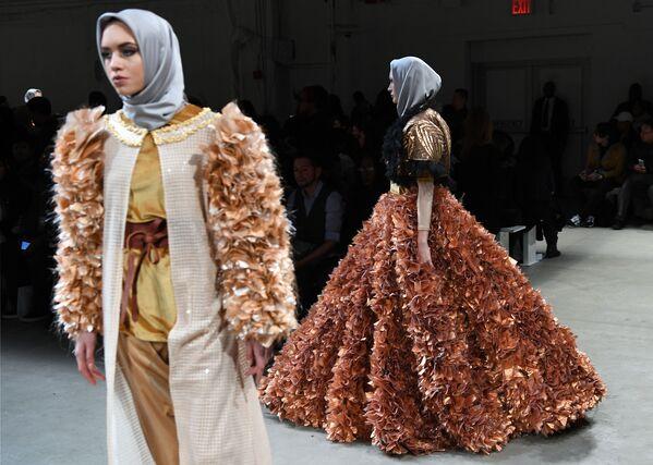 Pokaz Anniesa Hasibuan podczas Tygodnia Mody w Nowym Jorku - Sputnik Polska