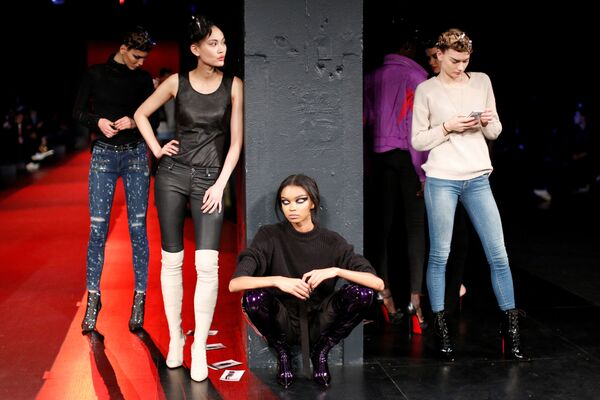 Modelki na próbie pokazu The Blonds podczas Tygodnia Mody w Nowym Jorku - Sputnik Polska