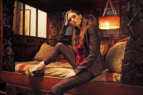 Modelka prezentuje kolekcję Tracy Reese podczas Tygodnia Mody w Nowym Jorku - Sputnik Polska