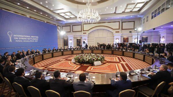 Delegacje Iranu, Turcji i Rosji w Astanie - Sputnik Polska