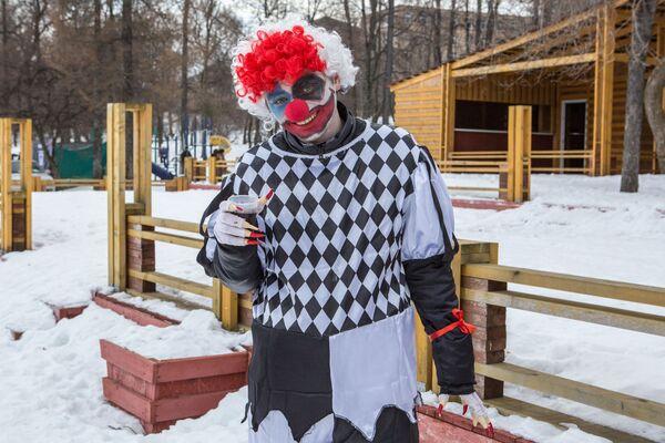Uczestnik Międzynarodowego Zimowego Festiwalu Hiperborea w Karelii. - Sputnik Polska