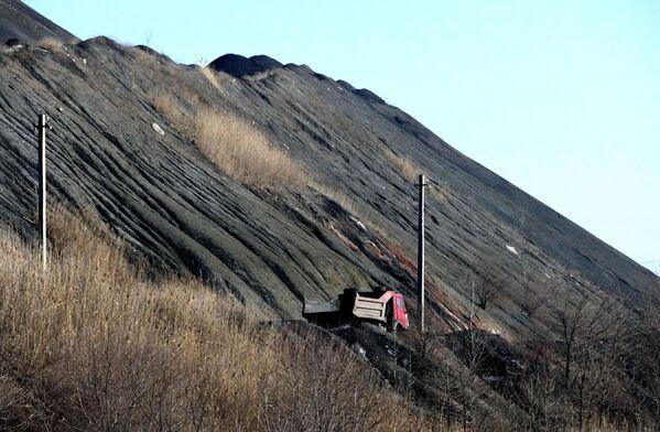 Wydobycie i rozładunek węgla w kopalni  imienia S.M. Kirowa państwowego zakładu Makiejewugol w obwodzie donieckim. - Sputnik Polska