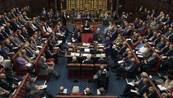 Izba Lordów w brytyjskim parlamencie - Sputnik Polska
