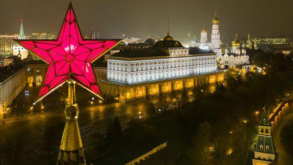 Gwiazda na Baszcie Wodociągu Moskiewskiego Kremla - Sputnik Polska