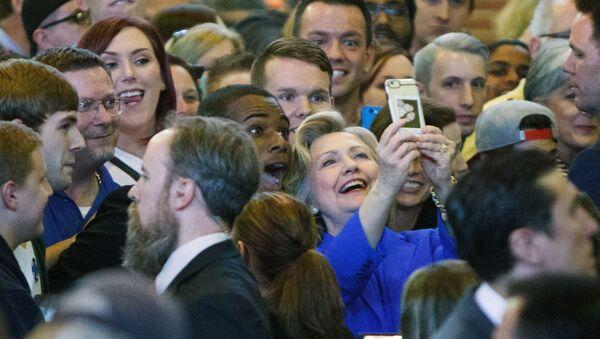 Hillary Clinton podczas kampanii wyborczej - Sputnik Polska