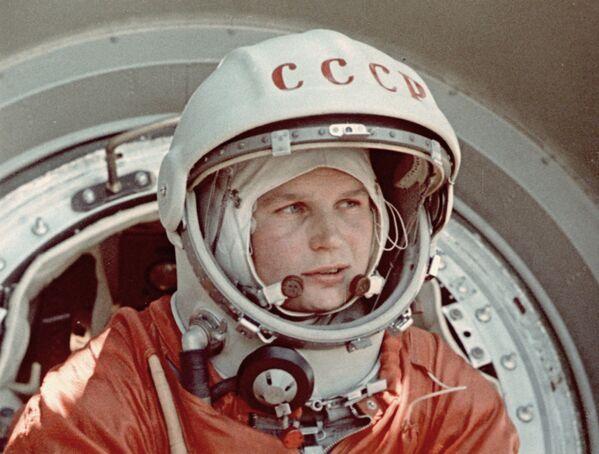W marcu 1962 roku Walentina Tierieszkowa została wybrana jako kandydatka na kosmonautkę i skierowana na szkolenie dla kosmonautów. - Sputnik Polska