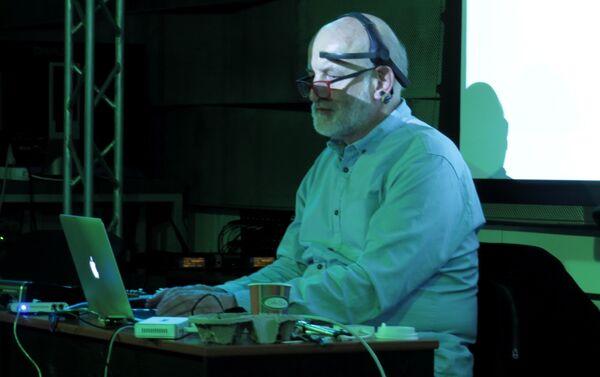 Marek Chołoniewski w trakcie wykładu - Sputnik Polska