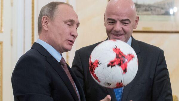 Prezydent Rosji Władimir Putin i prezydent FIFA Gianni Infantino - Sputnik Polska