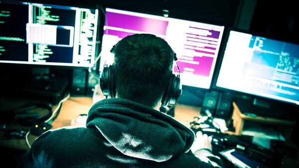 Hakerzy atakowali strony internetowe polskich miast, w których są bazy USA - Sputnik Polska