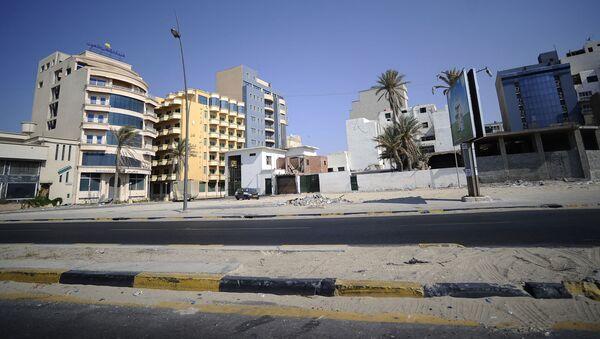 Widok na jedną z ulic w mieście Trypolis, Libia - Sputnik Polska