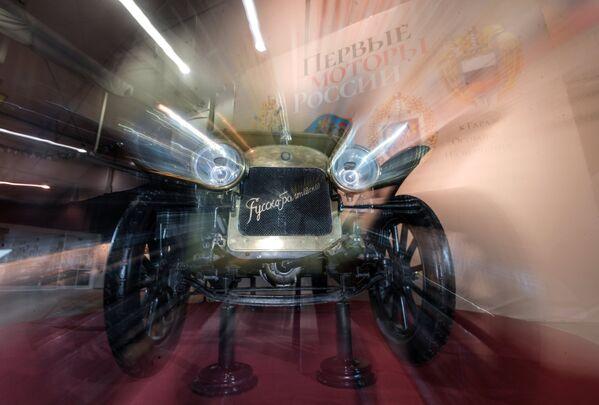 """Pierwsze wspaniałe samochody w Rosji produkowała Rosyjsko-Bałtycka Fabryka Wagonowa w Rydze. Samochód """"Rosyjsko-Bałtycki"""" Typ  К12/20 (1911 roku) z kolekcji Muzeum Politechnicznego to jedyny na świecie zachowany egzemplarz tej legendarnej marki. - Sputnik Polska"""