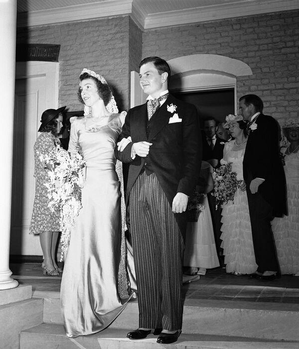 Przemysłowiec w 1940 roku ożenił się z córką jednego z właścicieli dużej spółki prawniczej w Nowym Jorku Margaret McGrath. Rockefellerowie wychowali szóstkę dzieci. - Sputnik Polska