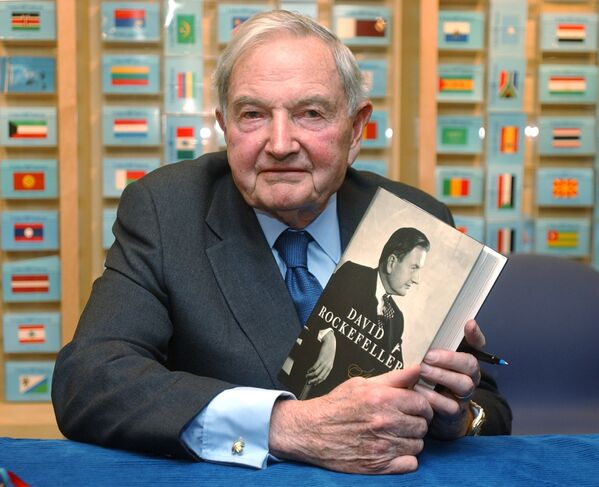 """W 2002 roku David Rockefeller napisał autobiograficzną książkę """"Bankier w XX wieku. Pamiętniki"""" (David Rockefeller: Memoirs). - Sputnik Polska"""