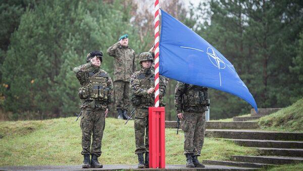 Polska - flaga NATO - Sputnik Polska