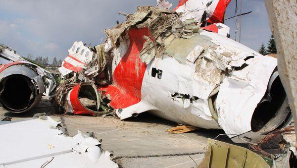 Szczątki polskiego samolotu rządowego Tu-154 na chronionym placu w Smoleńsku - Sputnik Polska