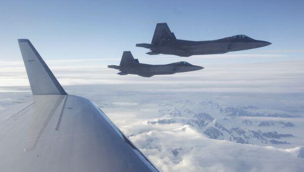 Amerykańskie myśliwce V generacji F-22 - Sputnik Polska