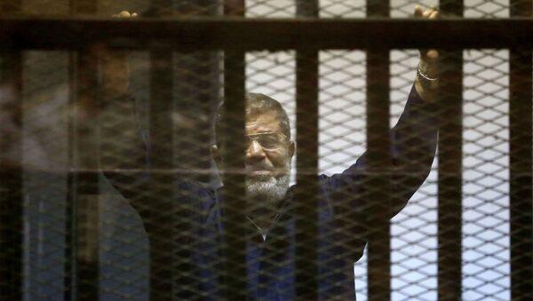 Były prezydent Egiptu Muhammad Mursi w więzieniu - Sputnik Polska