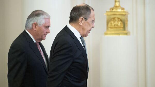 Szef rosyjskiej dyplomacji Siergiej Ławrow podał szczegóły rozmów z amerykańskim sekretarzem stanu Rexem Tillersonem - Sputnik Polska