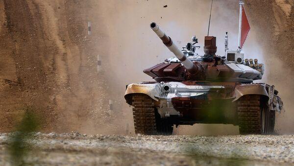 Załoga rosyjska na czołgu T-72B - Sputnik Polska