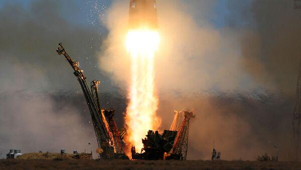 Start rakiety nośnej Sojuz-FG z transportowym załogowym statkiem kosmicznym Sojuz MS-04 z kosmodromu Bajkonur. - Sputnik Polska