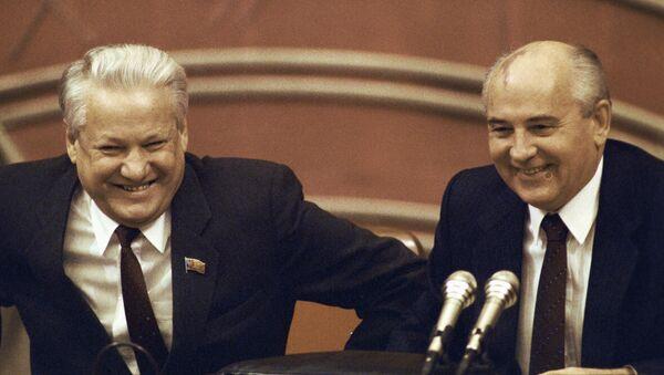 Борис Ельцин и Михаил Горбачев - Sputnik Polska