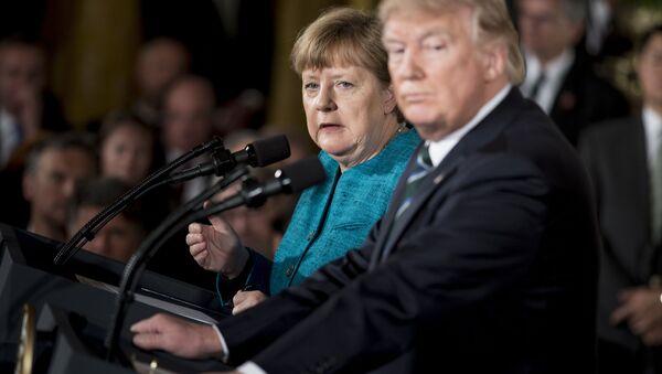 Kanclerz Niemiec Angela Merkel i prezydent USA Donald Trump w Białym Domu - Sputnik Polska