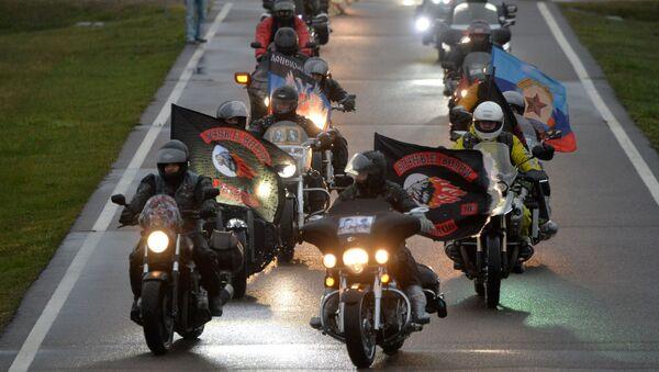 Członkowie klubu motocyklowego Nocne Wilki - Sputnik Polska