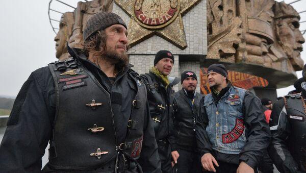 Szef klubu motocyklowego Nocne Wilki Aleksander Załdostanow w Mińsku - Sputnik Polska