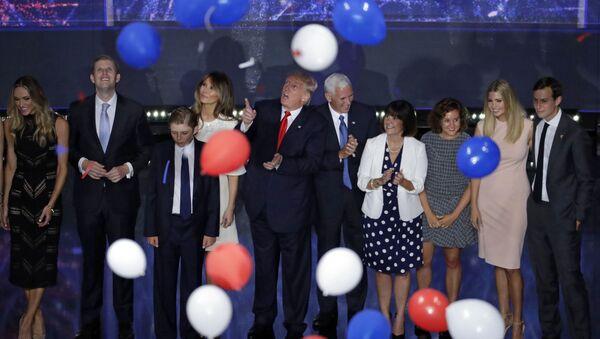 Donald Trump podczas kampanii wyborczej - Sputnik Polska