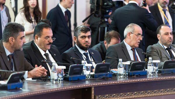 Глава делегации сирийской оппозиции Мухаммед Аллуш из группировки Джейш аль-Ислам на международной встрече в Астане - Sputnik Polska