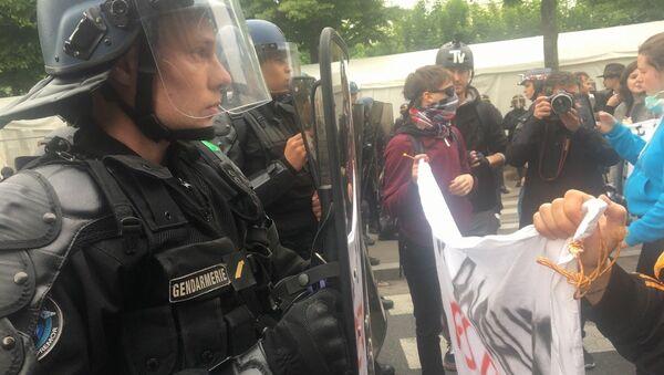 Demosntracja w Paryżu, 05.05.2017 - Sputnik Polska